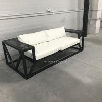 Аренда белого и чёрного дизайнерского дивана Рубин