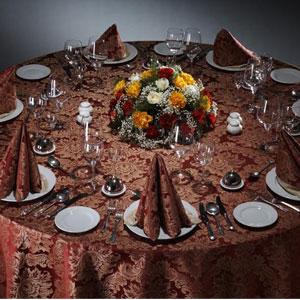 Скатерть на круглый стол красная